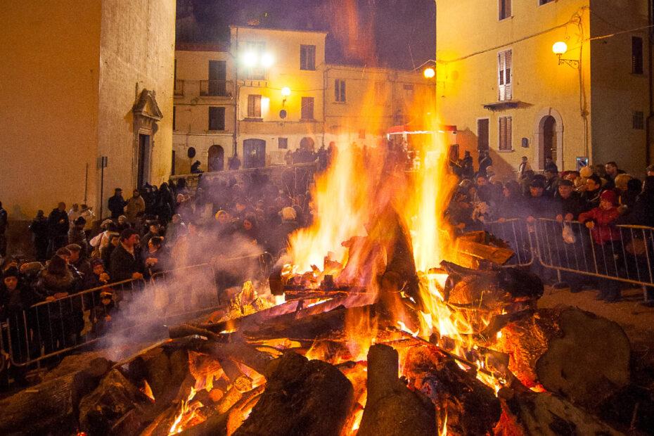 Festa di SantAntonio Abate a Campobasso Fuoco 1