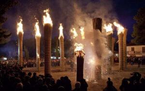 Le farchie - Festa di Sant'Antonio Abate a Fara Filiorum Petri - Foto di Raffaele Medaglia