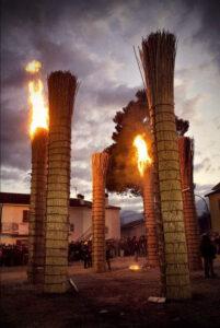 Le farchie - Festa di Sant'Antonio Abate a Fara Filiorum Petri - Foto di Serena Di Fulvio