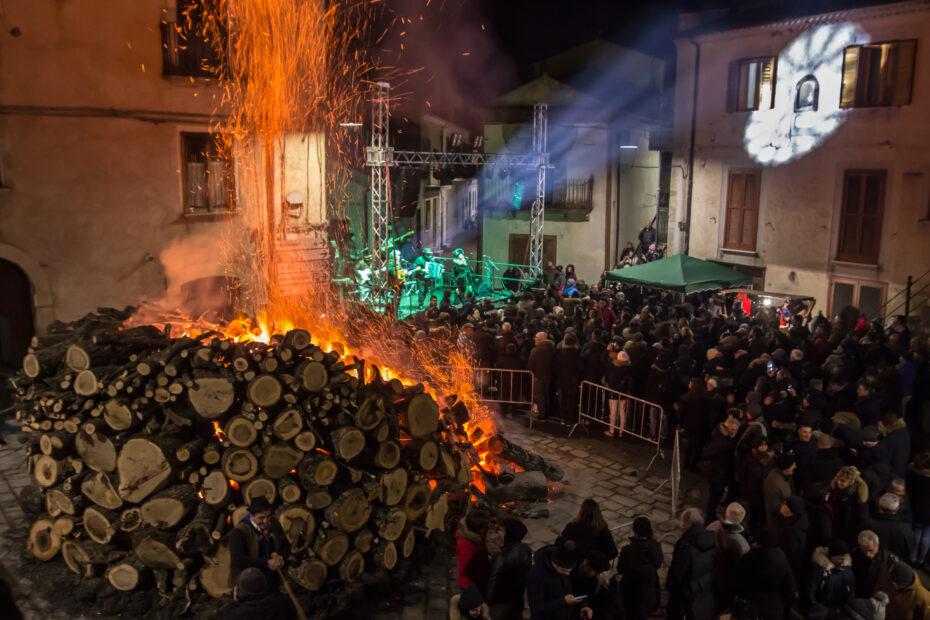 Festa di SantAntonio Abate a Trivigno Foto Vito Marcone